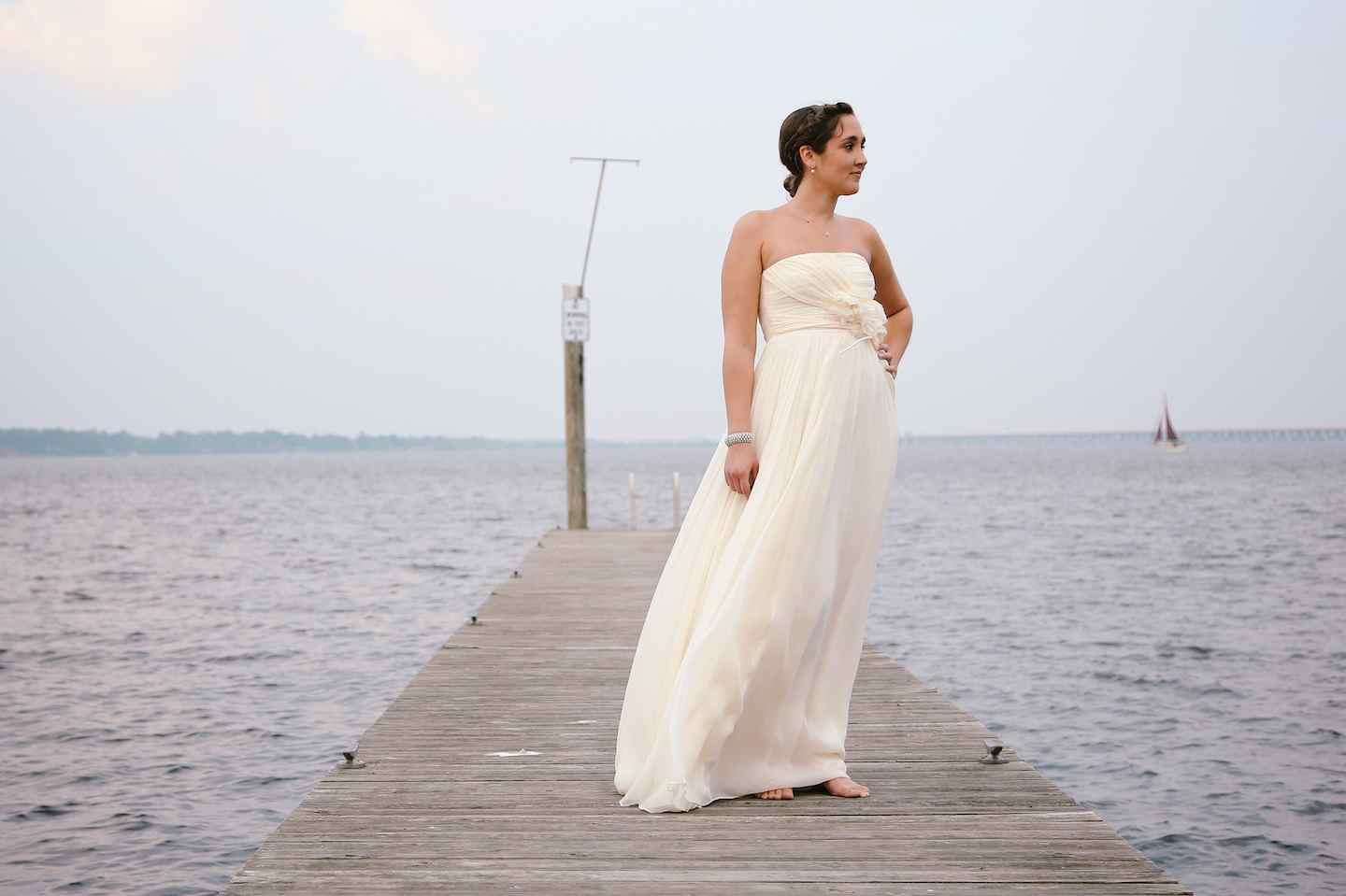 10439Bride on a Boat