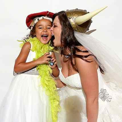 http://www.alexmphotography.com/_wp_site/wp-content/uploads/2013/06/mug-kids-018.jpg