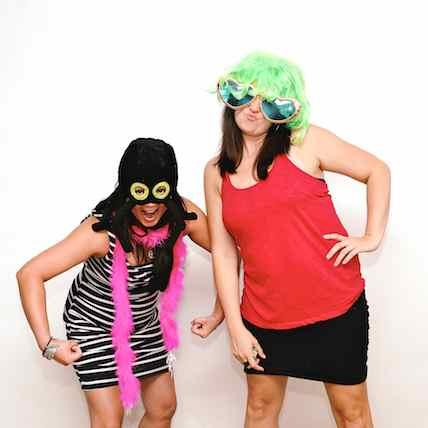 http://www.alexmphotography.com/_wp_site/wp-content/uploads/2013/06/mug-ladies-010.jpg