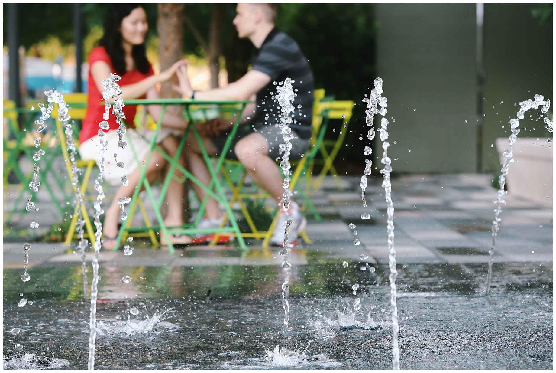 klyde-warren-park-engagement-photos-04