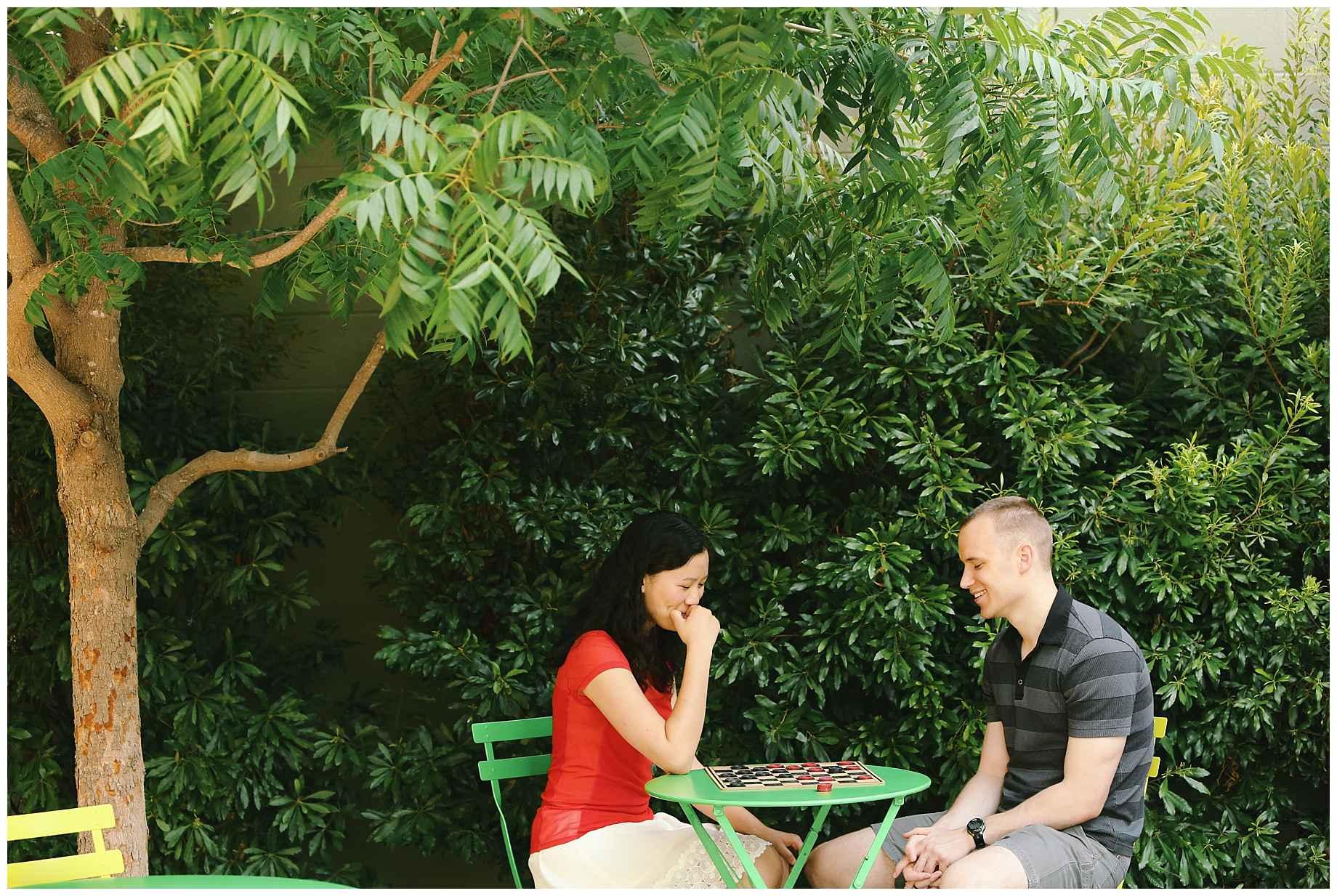 klyde-warren-park-engagement-photos-07