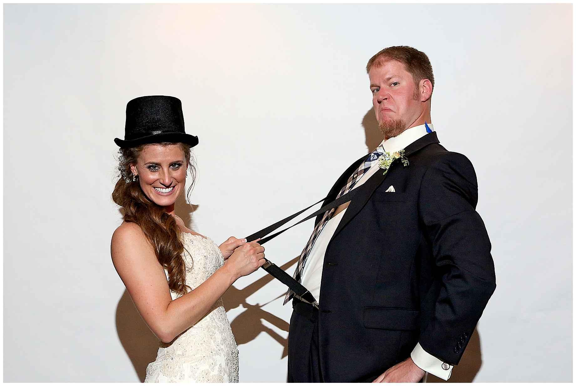 dallas-wedding-photographer-photo-booth-01