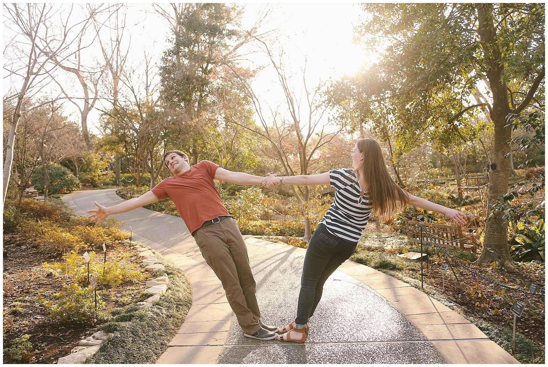 dallas-arboretum-engagement-photos-09