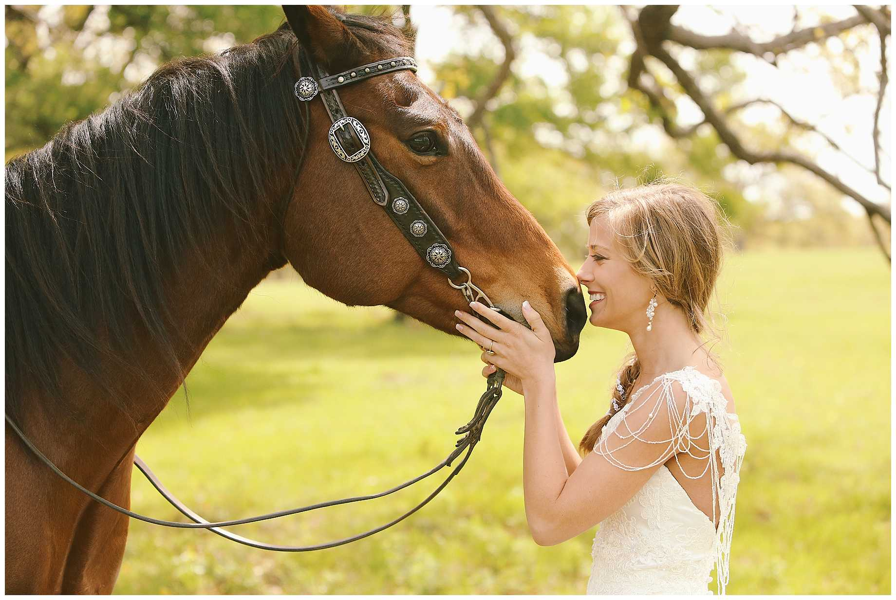 bride-on-a-horse-east-texas-06