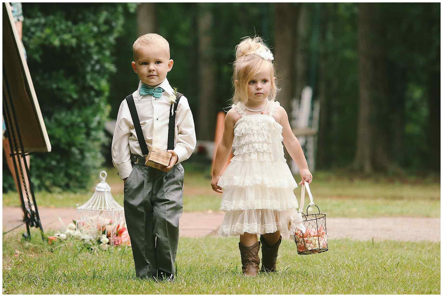 teaberry-farm-wedding-photos-10
