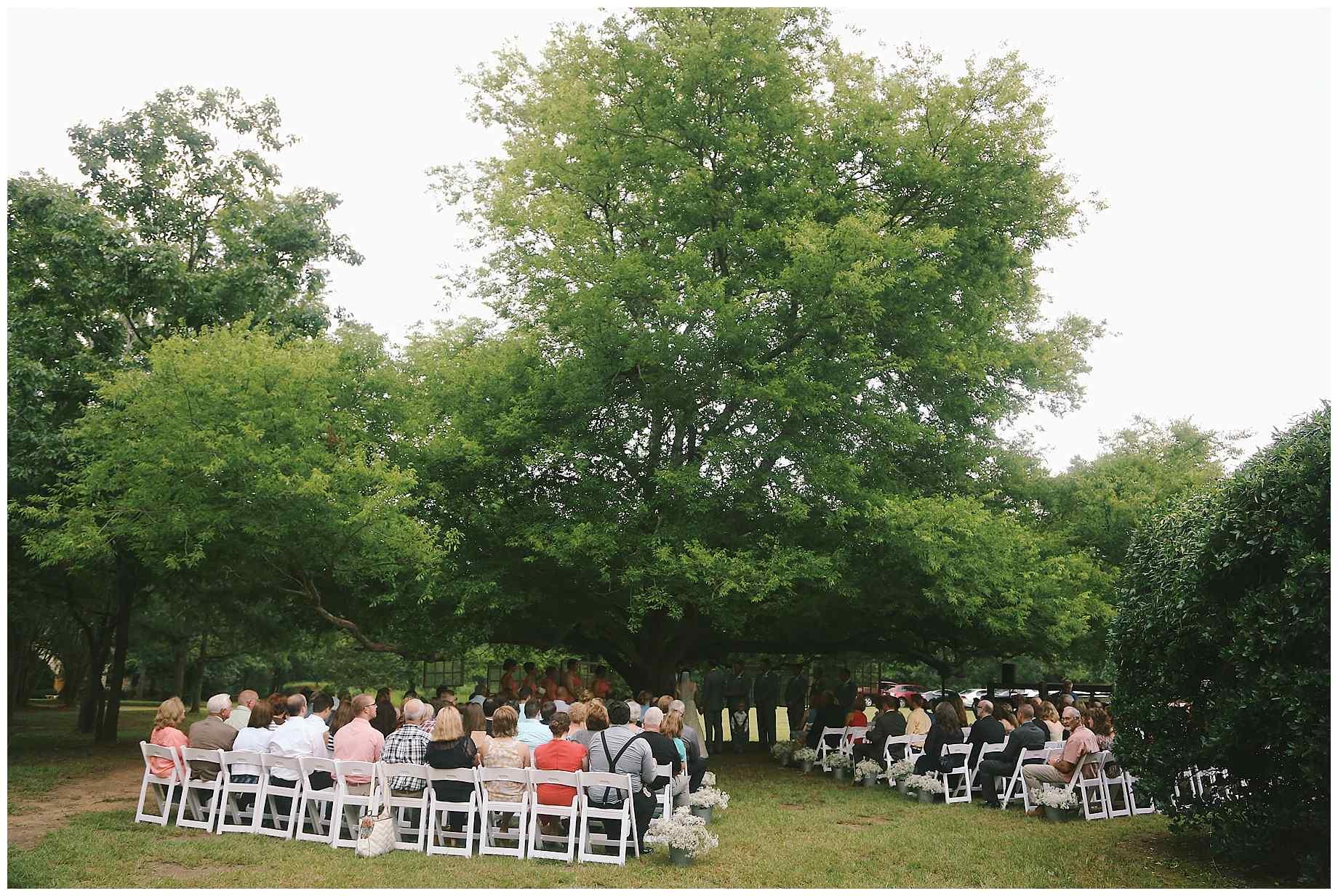 teaberry-farm-wedding-photos-12