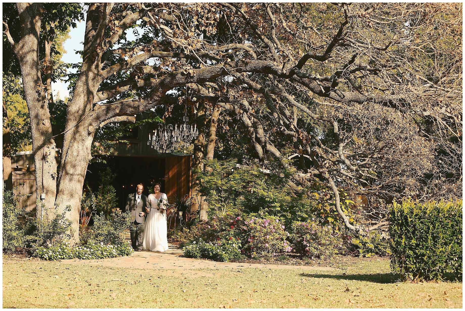 stone-oak-ranch-wedding-photos-17