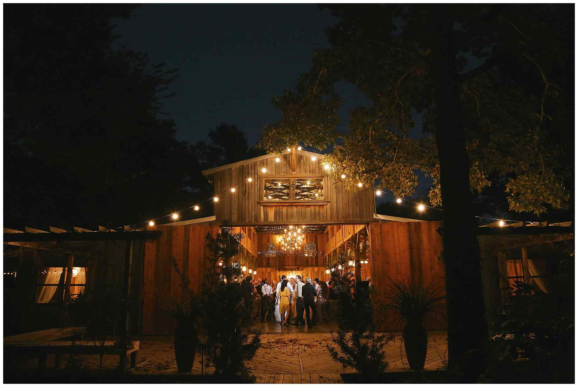 stone-oak-ranch-wedding-photos-35