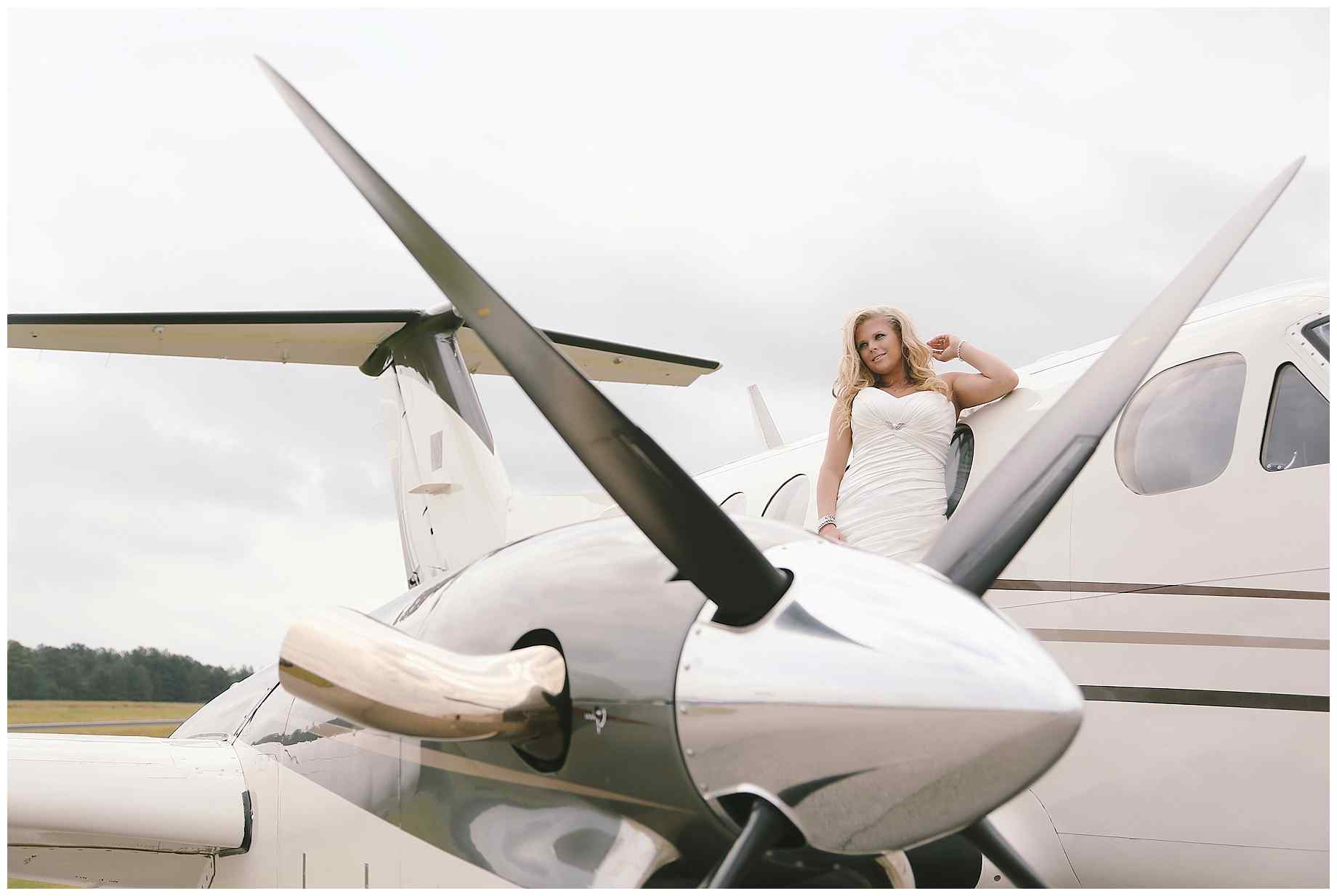 airplane-bridal-photos-004