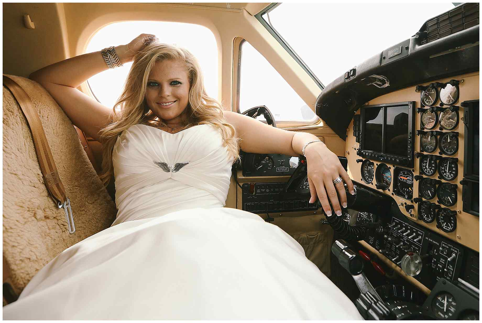 airplane-bridal-photos-006