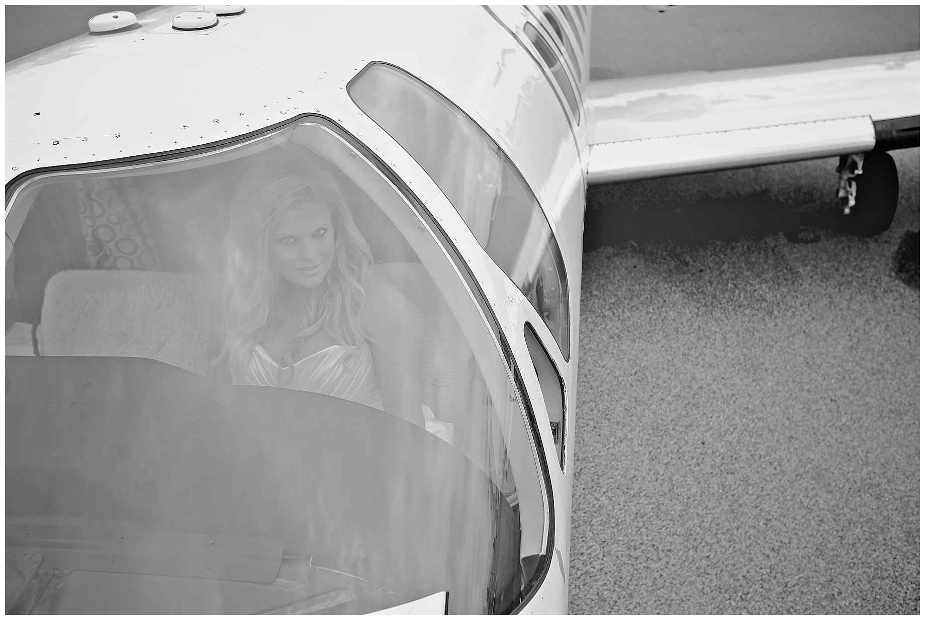 airplane-bridal-photos-007