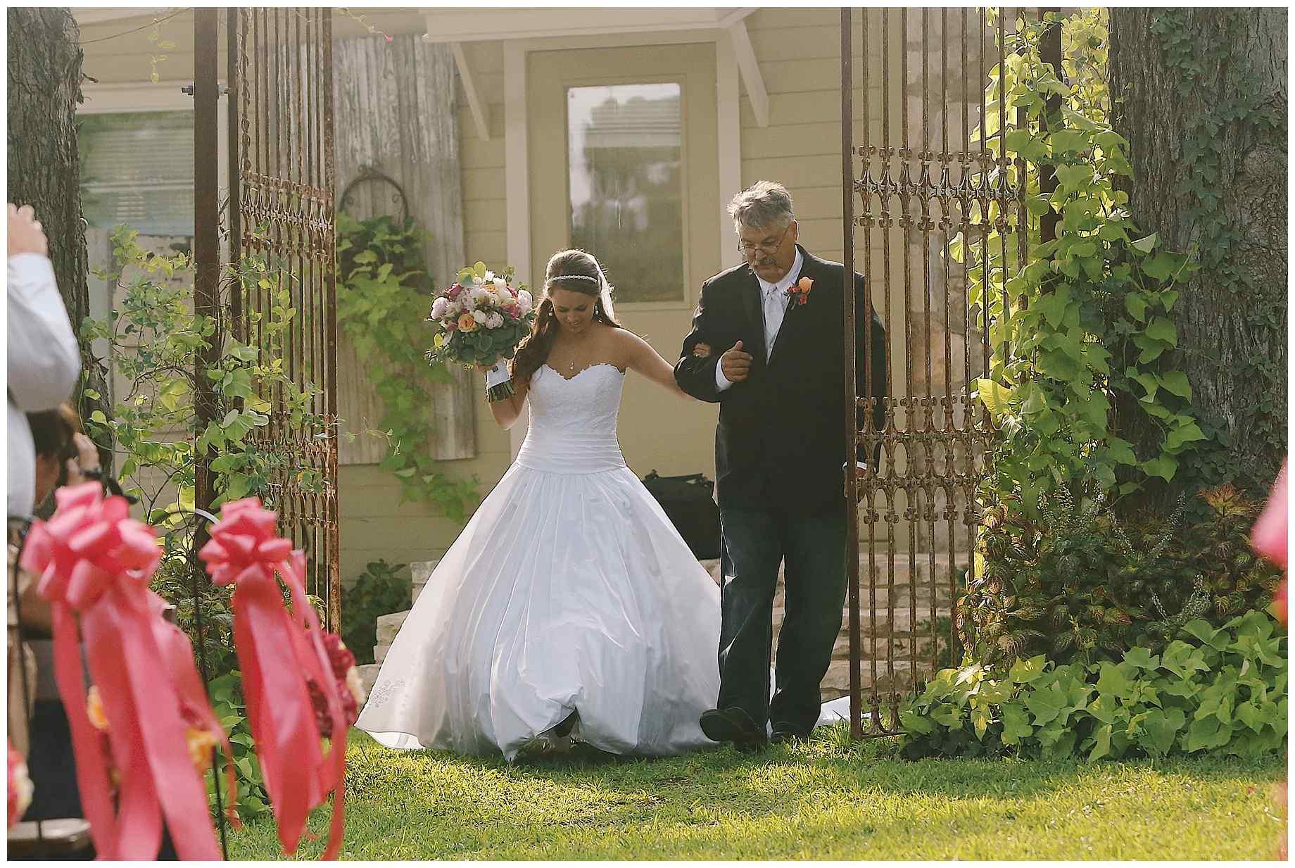 pecan-springs-ranch-austin-tx-wedding-013