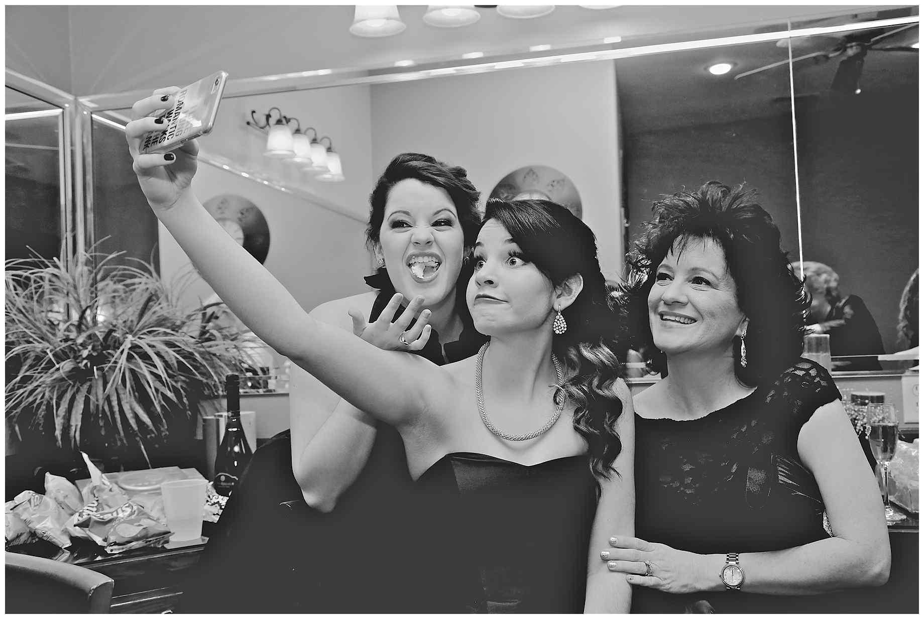 top-10-random-wedding-photos-of-2015-010