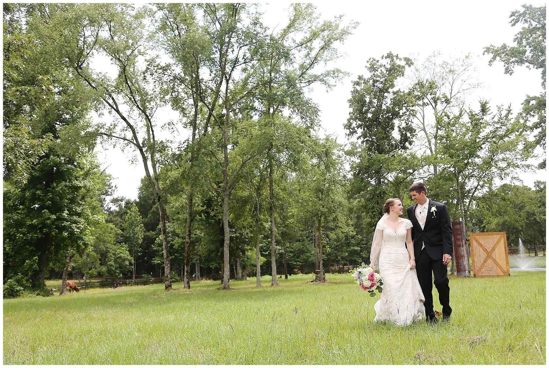 landing-event-center-joshua-farms-wedding-photos-011