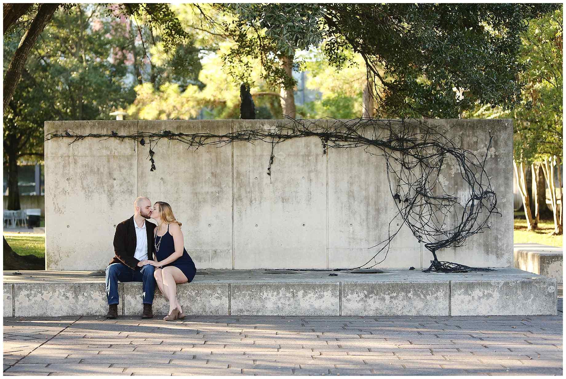 cullen-sculpture-garden-engagement-photos-004