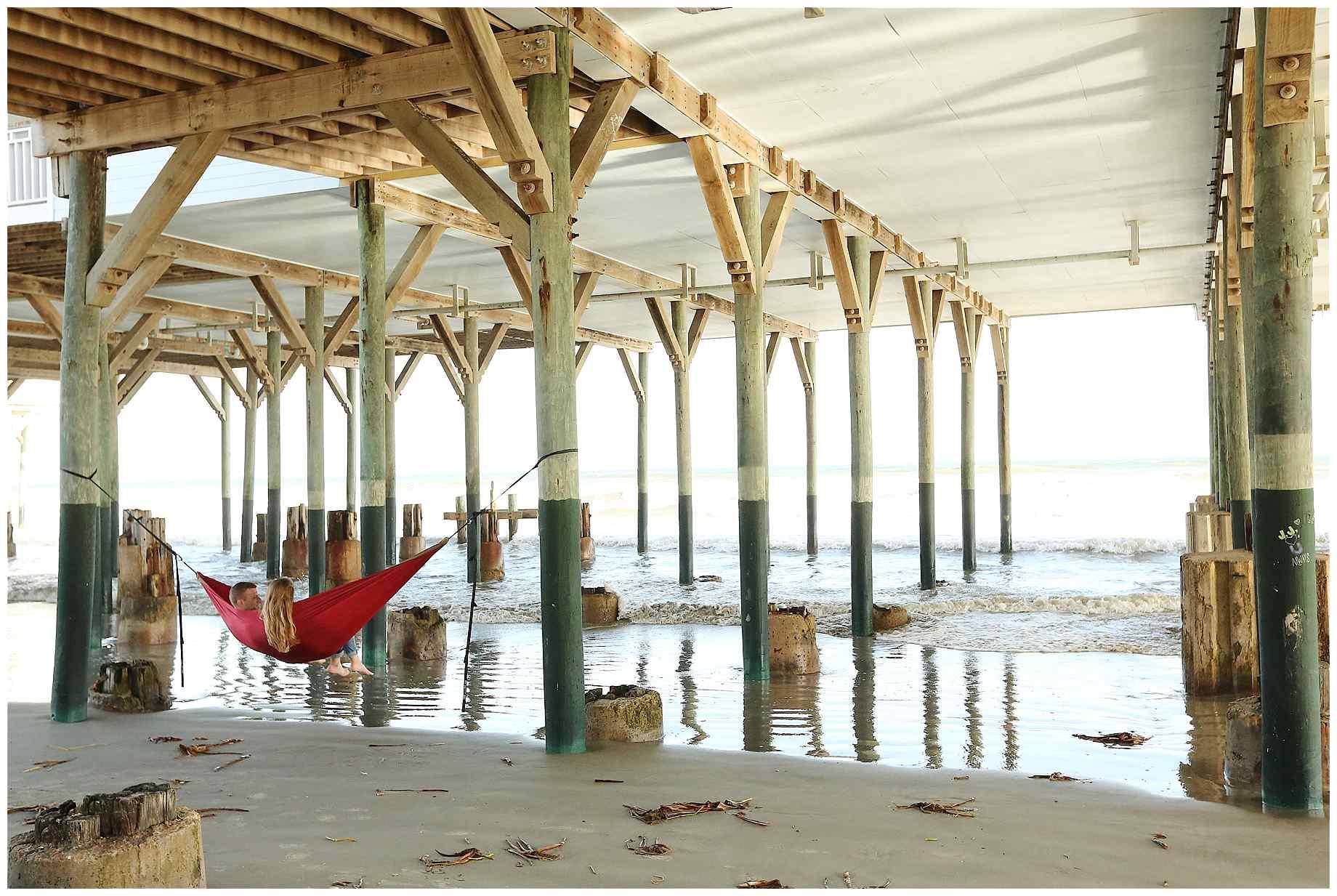 galveston-beach-engagement-photos-011