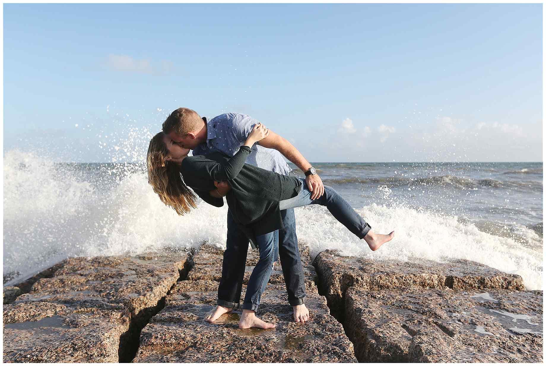 galveston-beach-engagement-photos-017